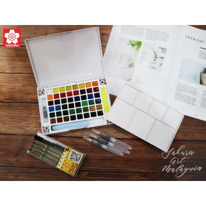 Koi Water Color Pocket Field Sketch Box (Advanced Pack)